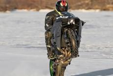 Сесил Майерс планирует достигнуть  максимальную скорость вилли на льду
